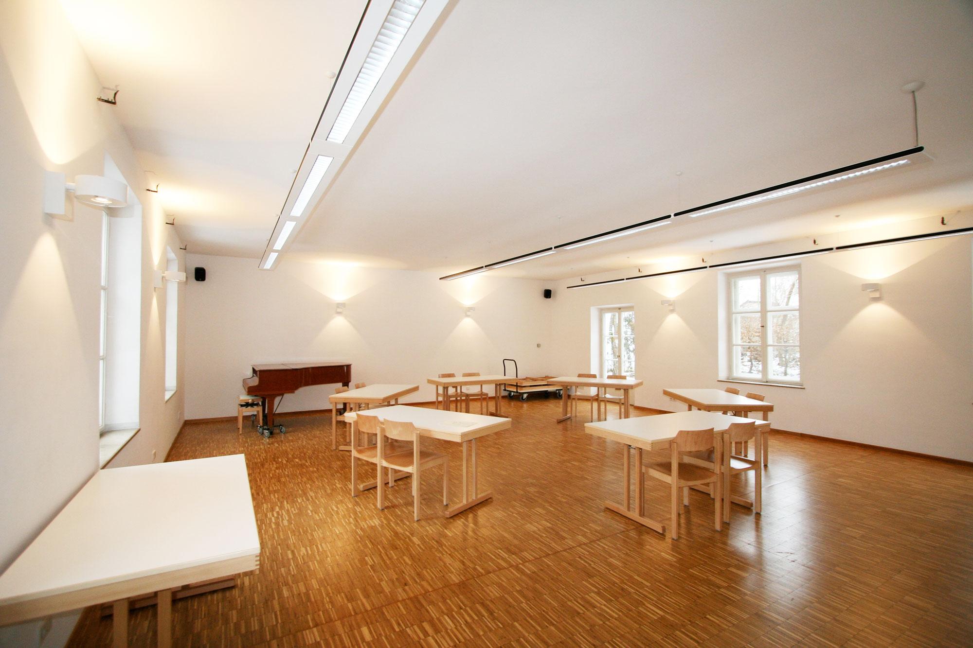 Renovierung gemeindehaus herrsching gross innenarchitektur for Innenarchitektur zukunft