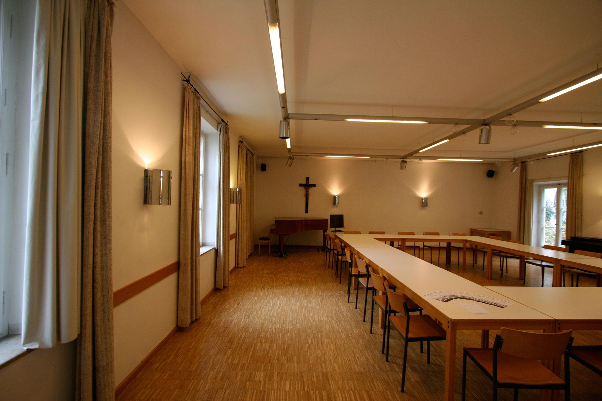 Innenarchitektur-München-Renovierung-Gemeindezentrum-Herrsching-Vorher-1