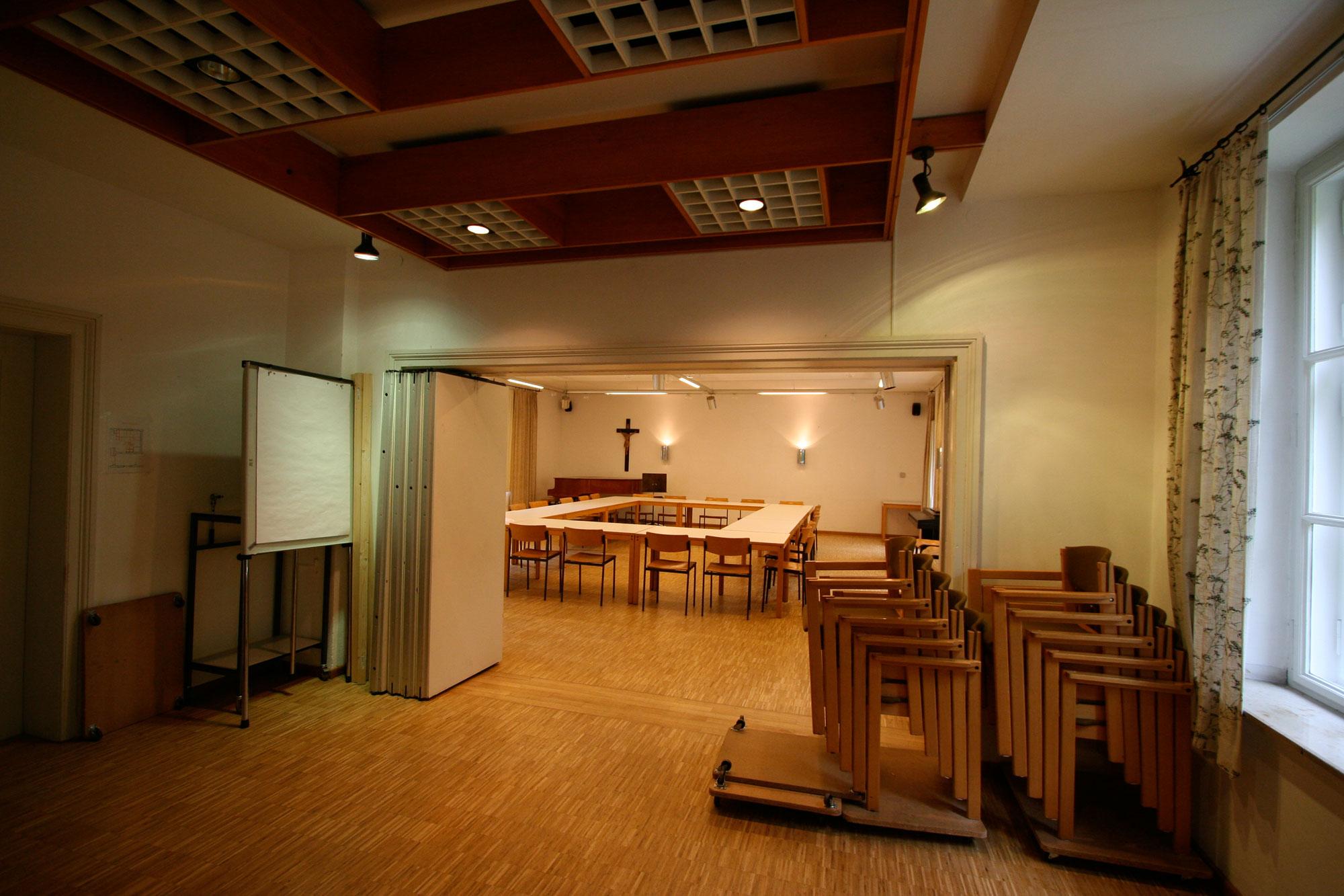 Innenarchitektur-München-Renovierung-Gemeindezentrum-Herrsching-Vorher-2